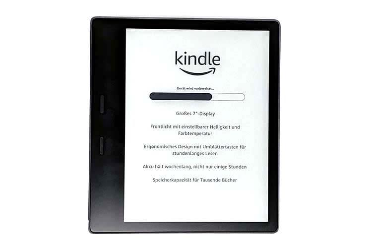 Nach dem Einschalten beginnt Amazon Kindle Oasis automatisch mit der Installation
