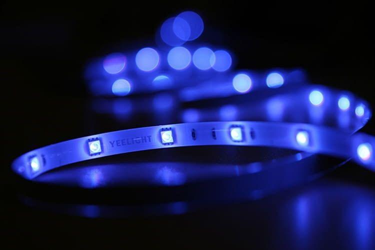 60 kleine LEDs sitzen verteilt auf dem 2 Meter Streifen