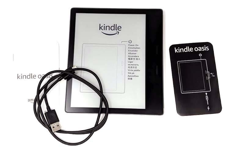 Amazon Kindle Oasis - als Ladegerät kommt ein microUSB-Kabel zum Einsatz