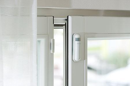 devolo home control t r fensterkontakt smart home. Black Bedroom Furniture Sets. Home Design Ideas