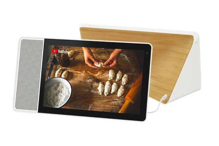 Dank seiner Form kann das Lenovo Smart Display 10 auch hochkant genutzt werden