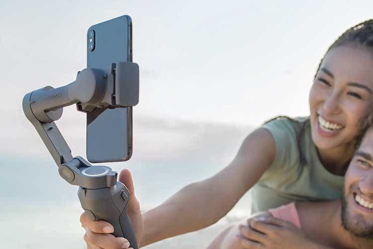 Die Umschaltung zwischen Haupt- und Selfie-Kamera erfolgt einfach über die Trigger-Taste