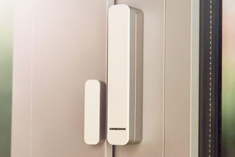 Der Bosch Fenster-/ Türkontakt stellt fest, ob ein Fenster oder eine Tür geöffnet wurde