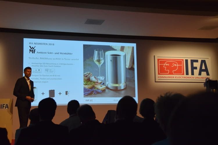 WMF stellte den Sekt- und Weinkühler mit Ambient Light vor