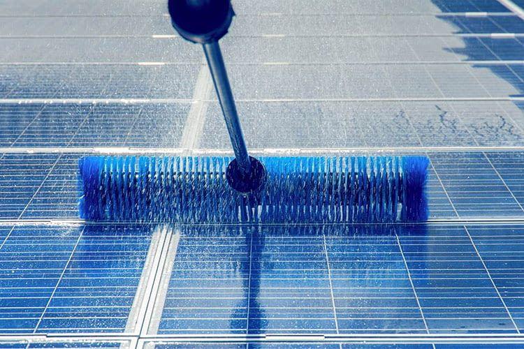 Reinigung der Solaranlage und viele weitere Dienstleistungen vermittelt das Portal