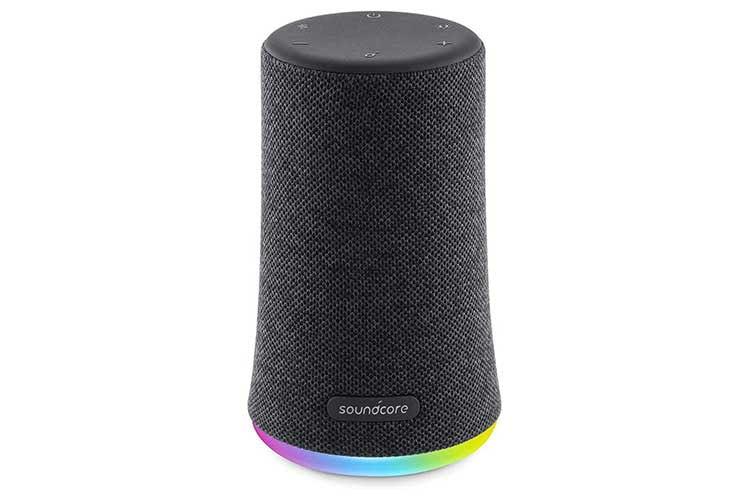 Die Bluetooth Box Anker Soundcore Flare Mini bietet nicht nur mobilen Sound sondern auch Lichteffekte
