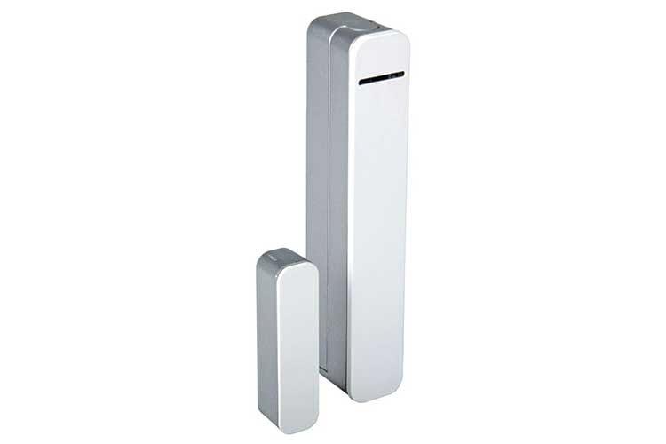 Der Bosch Tür-/Fensterkontakt meldet der Bosch Smart Home Zentrale, wenn ein Fenster oder eine Tür geöffnet oder geschlossen wurde