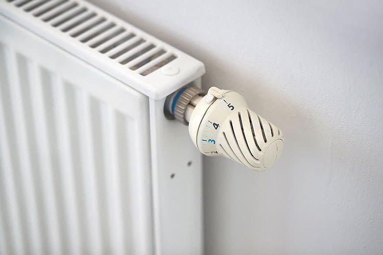Die meisten smarten Heizregler können herkömmliche Thermostate einfach ersetzen