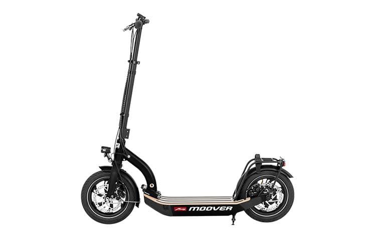 Der E-Scooter Metz moover überzeugt mit seinen zwei Scheibenbremsen und Luftreifen