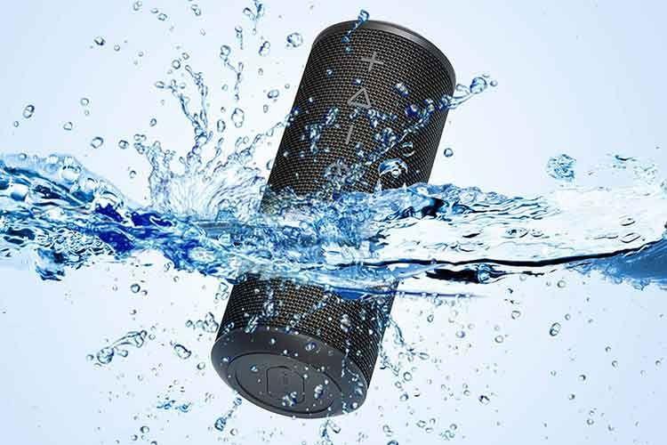 Der Bluetooth-Lautsprecher Zamkol ZK606 ist spritzwassergeschützt nach Schutzklasse IPX6