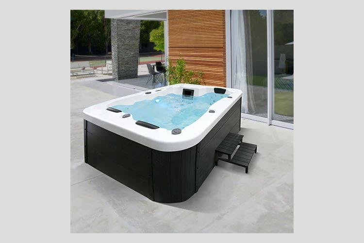 Für kurze Zeit verkauft ALDI diesen Whirlpool besonders günstig