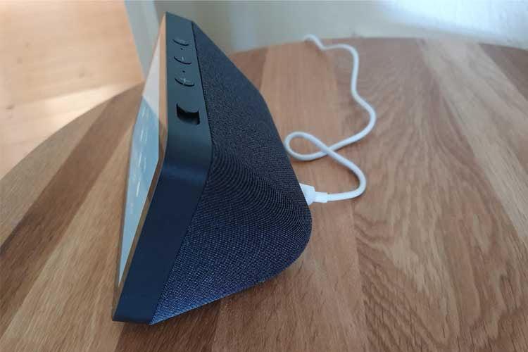 Echo Show 5 ist kompakt und eignet sich deshalb ideal für den Nachttisch
