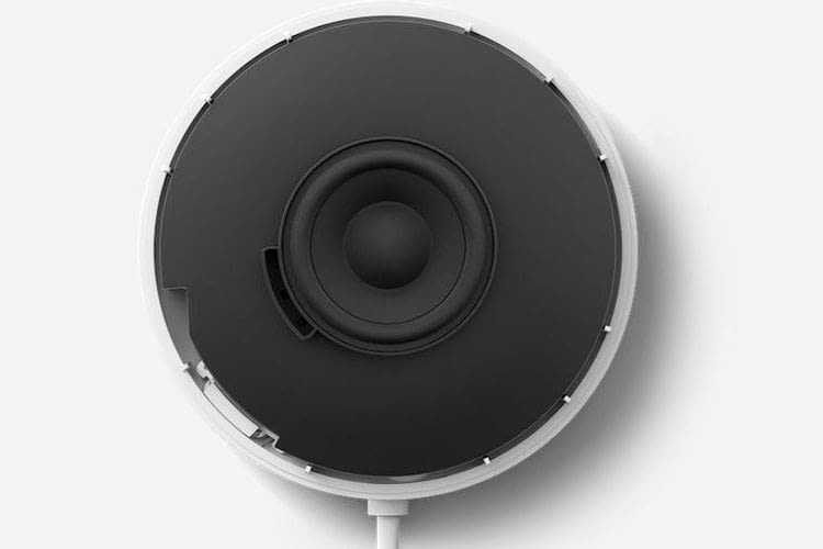Der Sound des Google Nest Mini wurde im Vergleich zum Google Home Mini verbessert und liefert noch kräftigere Bässe