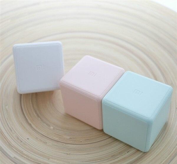Abbildung des Xiaomi Mi Cube Smart Home Controller in verschiedenen Farben