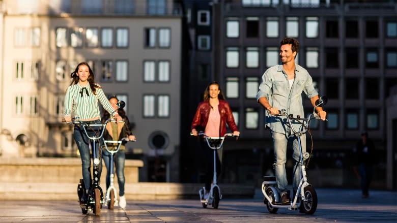 Die Tretroller sind in der Variante Street auch mit Straßenzulassung erhältlich