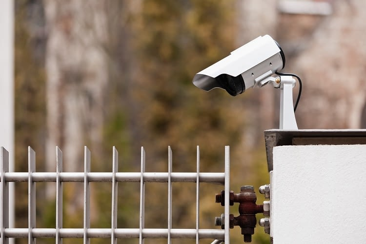 In Deutschland ist es verboten das Grundstück des Nachbarn mitzufilmen