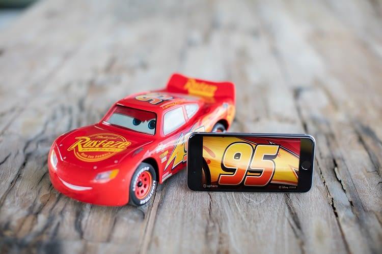 Über die App können Autofans den vernetzten Lightning McQueen steuern