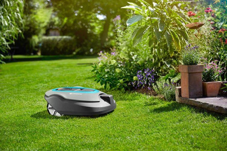 Dank SensorControl-Technologie erkennt GARDENA SILENO+ automatisch das Graswachstum