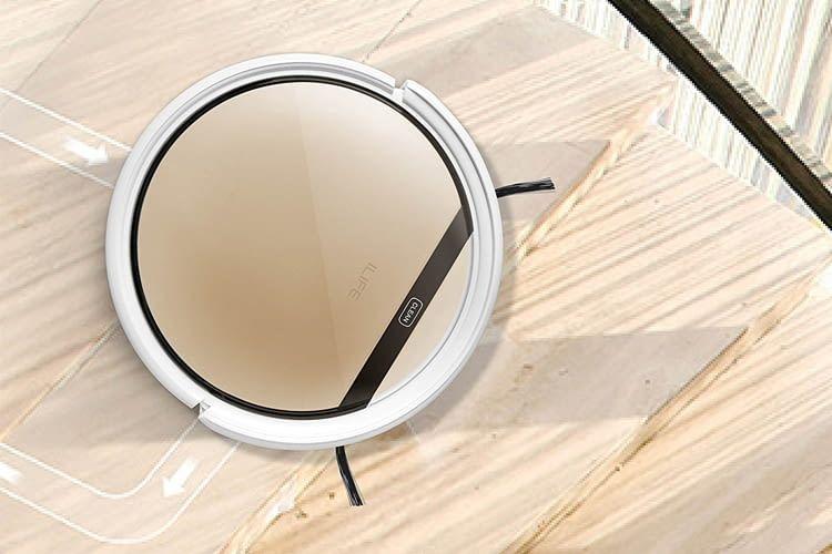 Die Absturz- und AntiStoß-Sensoren am Gerät verhindern Sachschäden