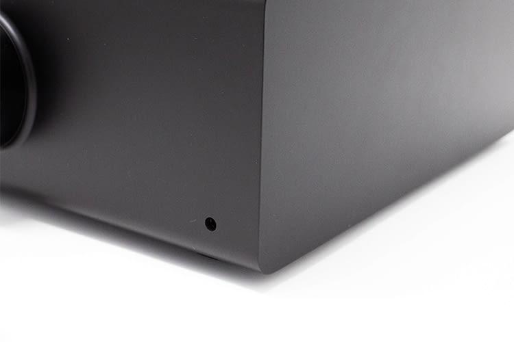 Auch ein traditioneller 3,5 mm Klinkenstecker für kabelgebundene Kopfhörer fehlt nicht am Amazon Echo Link Amp