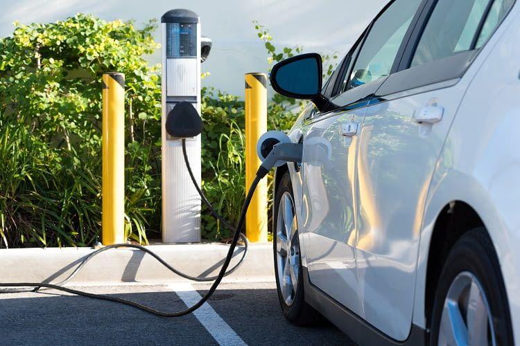 Wie Besitzer den Strom für sein Elektroauto bezahlen kann unterscheidet sich je nach Anbieter