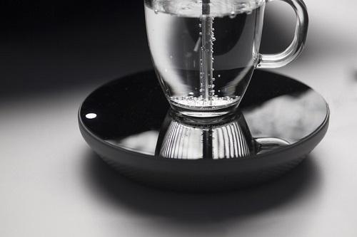 Der MIITO Wasserkocher - Wasser kocht
