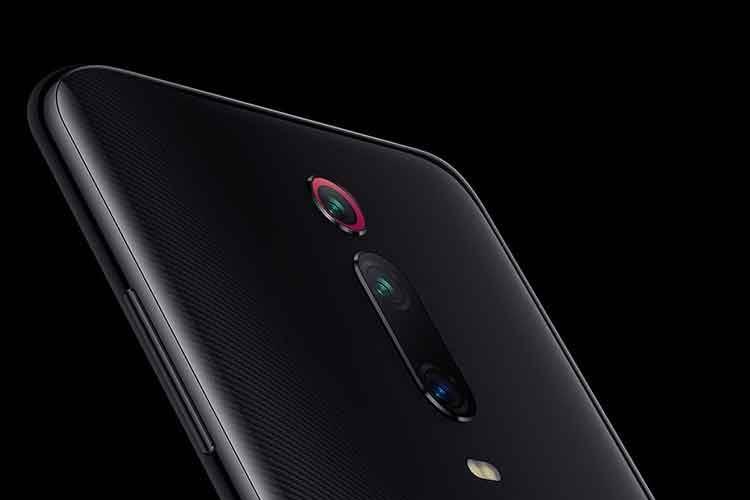 Die Triple-Kamera auf der Rückseite von Xiaomi Mi 9T Pro ist in der Mitte angebracht