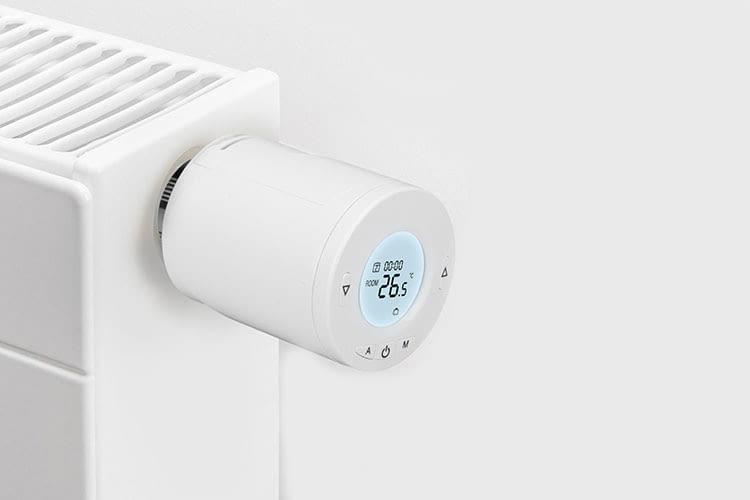 Fast auf alle Heizungsventile passt das Meross-Thermostat, verschiedene Adapter sind im Lieferumfang enthalten