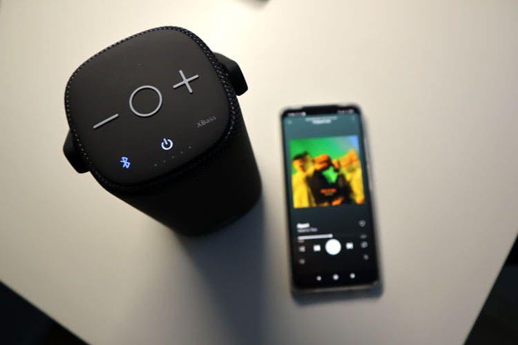 Die Bedientasten von StormBox Pro befinden sich auf der Oberseite des Bluetooth-Lautsprechers