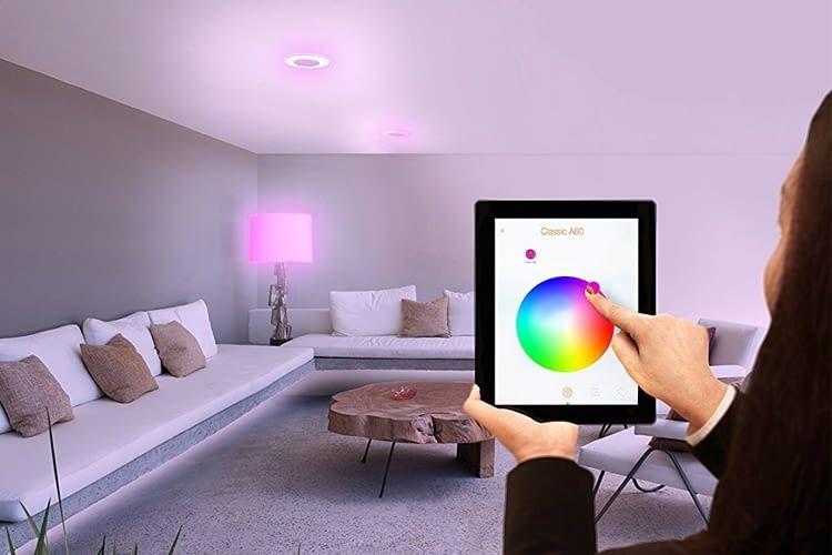 Die Farbtemperatur lässt sich stufenlos von Warmweiß (2.000 Kelvin) bis Tageslicht (6.500 Kelvin) ändern