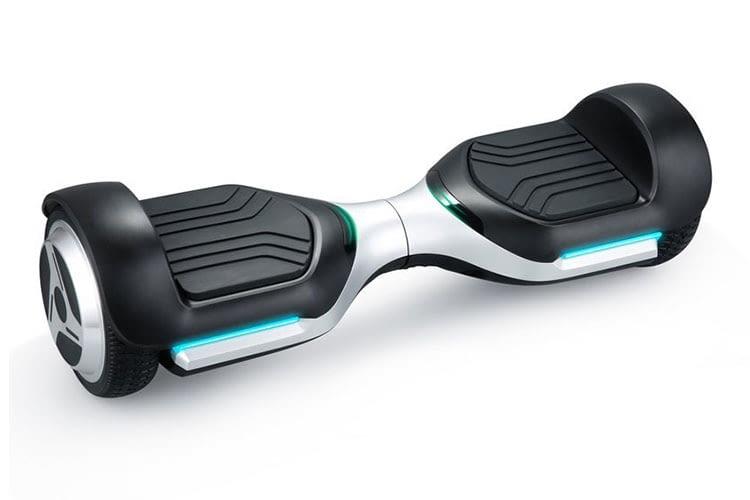Der iconBIT SmartScooter UL glänzt mit präziser Steuerung und flüssigem Fahrverhalten
