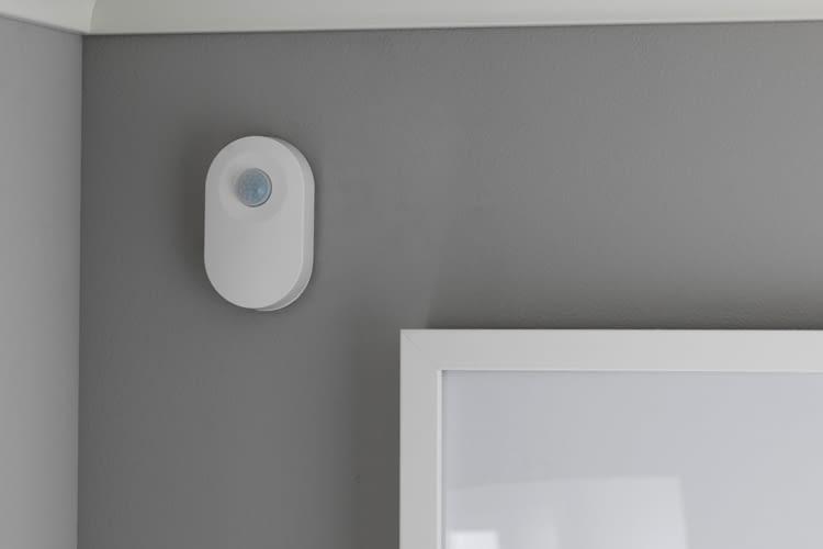 Der IKEA TRADFRI-Bewegungssensor schaltet bei Bedarf automatisch das Licht an