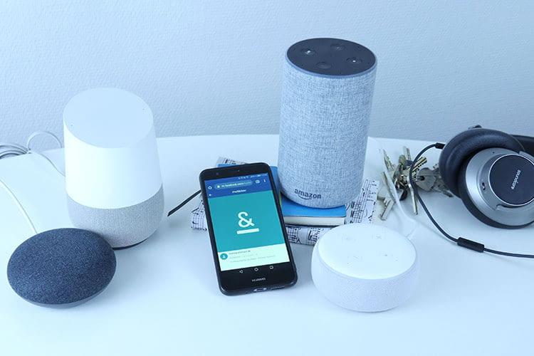 Im Vergleich zwischen Google Assistant und Alexa gewinnt die Sprachsteuerung über Alexa aufgund vieler auswählbarer Skills
