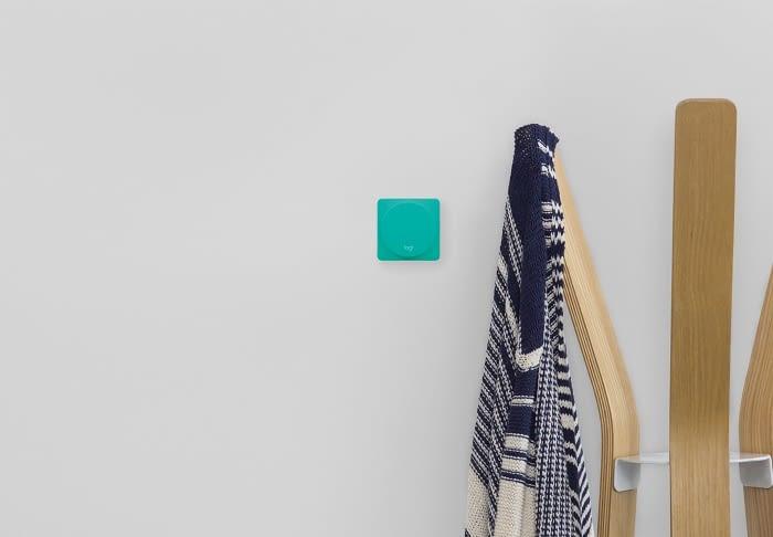 An der Wand zuhause oder auf dem Schreibtisch im Büro - Der Logitech Pop ist flexibel