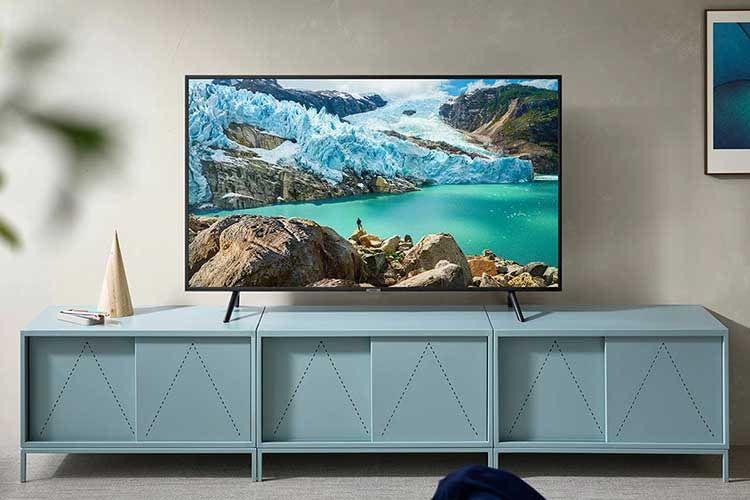 Der 75 Zoll Fernseher Samsung RU7179 ist mit Alexa, Google Assistant und Apple AirPlay 2 kompatibel
