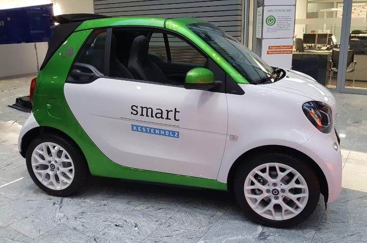 Vollelektrischer Smart für den emmissionslosen urbanen Alltag.