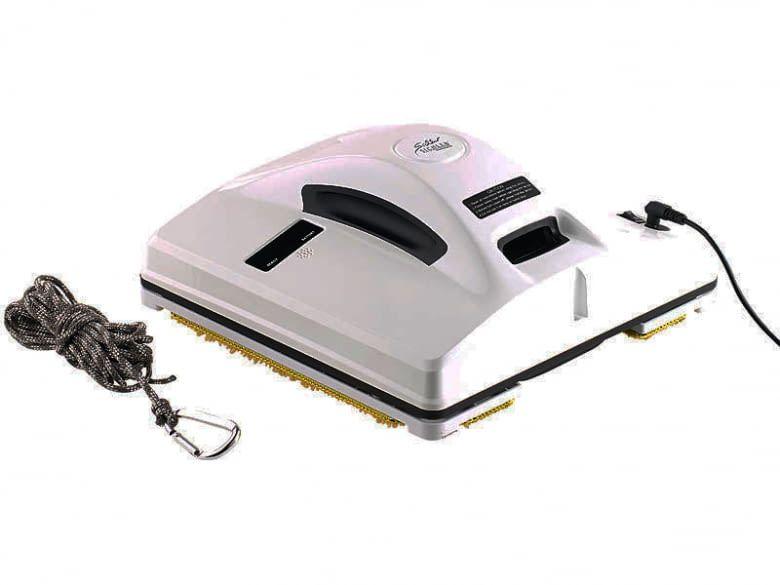 Der Fensterputzroboter Sichler PR-041 V3 benötigt eine Stromversorgung via Kabel. Links das Sicherungsseil mit Karabinerhaken