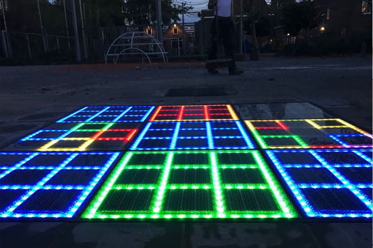 Die LED-Lampen des The Gamer leuchten auch tagsüber hell genug zum Spielen