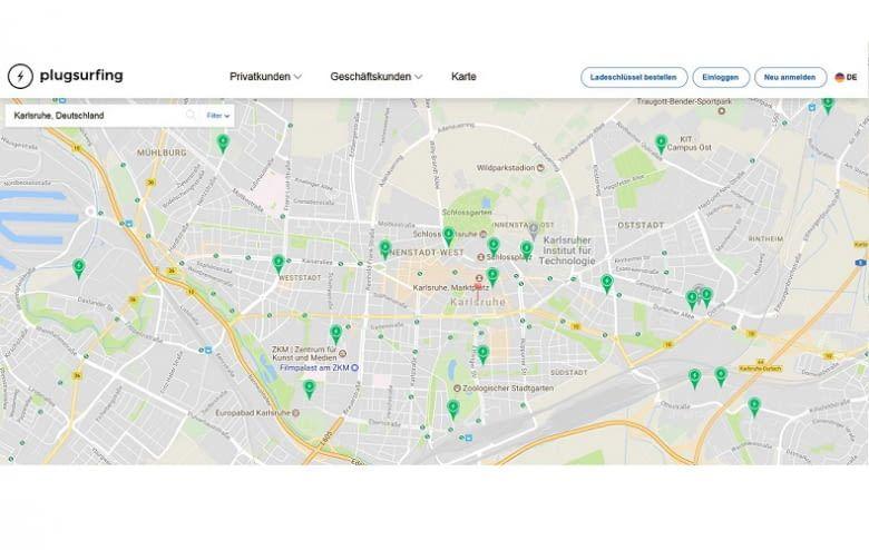 Der E-Tankstellen-Finder von plugsurfing.com bietet ein riesiges Ladestationen-Netzwerk