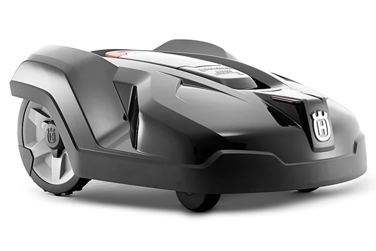 Der HUSQVARNA AUTOMOWER 420 Mähroboter schafft Arbeitsflächen von bis zu 2.200 Quadratmetern