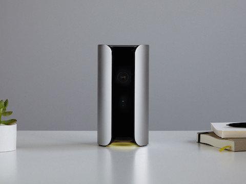 Das Canary Smart Home Sicherheits-System bietet viele Sensoren