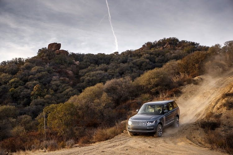 Schwergewicht auf leisen Sohlen - das Elektroauto P400e von Land Rover