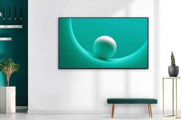 Der 75 Zoll TV Samsung Q60R lässt sich im Ambient Modus als digitaler Bilderrahmen einsetzen
