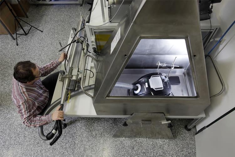 Stiftung Warentest hat bereits alle Arten von Staubsaugern im Labor geprüft