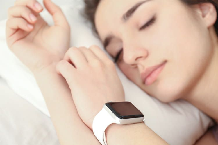 Mit einem Schlaftracker kann jeder erfahren, wie lange er in welcher Schlafphase verweilt