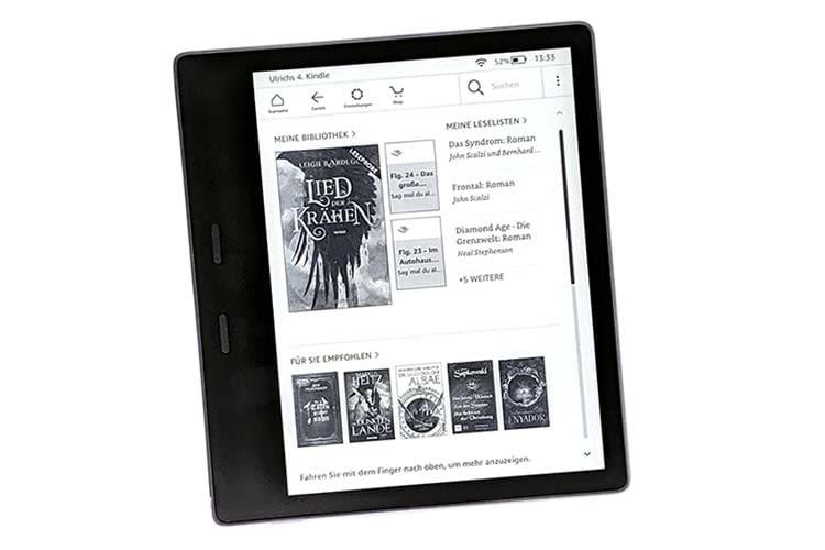 Amazon Kindle Oasis: Auf der breiten Randseite sind die beiden Umblättertasten eingelassen