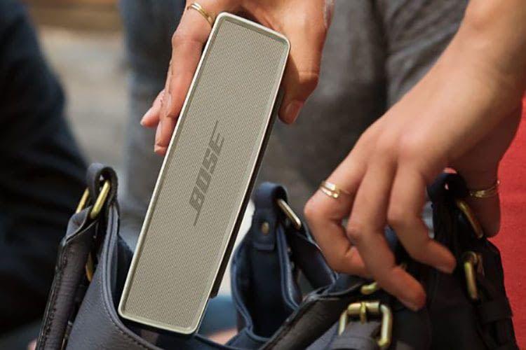 Bose SoundLink Mini 2 passt noch in die Handtasche, ist aber weniger für den Outdoor-Einsatz geeignet