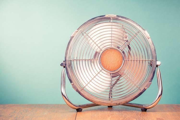 Ventilatoren gibt es in zahlreichen Farben, Größen und Preisklassen
