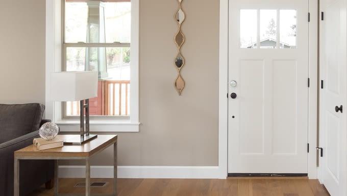Das smart Lock Teodoor wird an der Türinnenseite angebracht