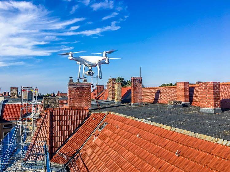 AIRTEAM Roof-Inspector erreicht dank Drohnenflug auch schwer erreichbare Dachstellen